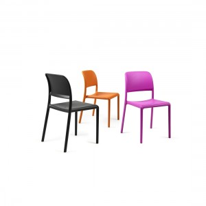 Chaise empilable Nardi