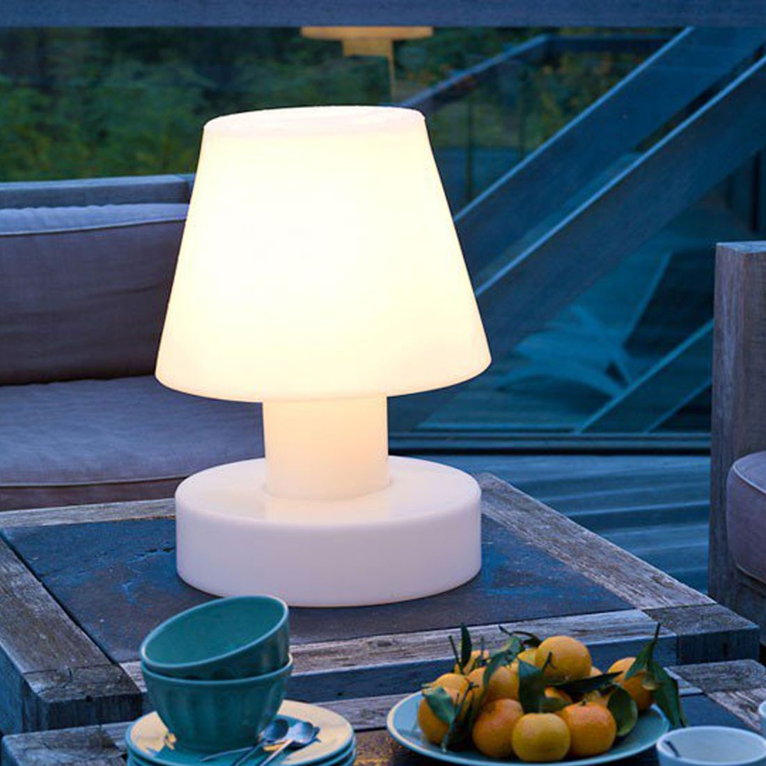 Zendart lampe de table lumineuse bloom deco maison design for Table exterieur lumineuse