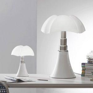 designer célèbre Gae Aulenti Lampe a poser Pipistrello Martinelli Luce