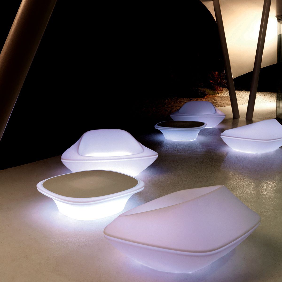 Fauteuil jardin lumineux design tendance ufo vondom deco - Mobilier jardin lumineux ...