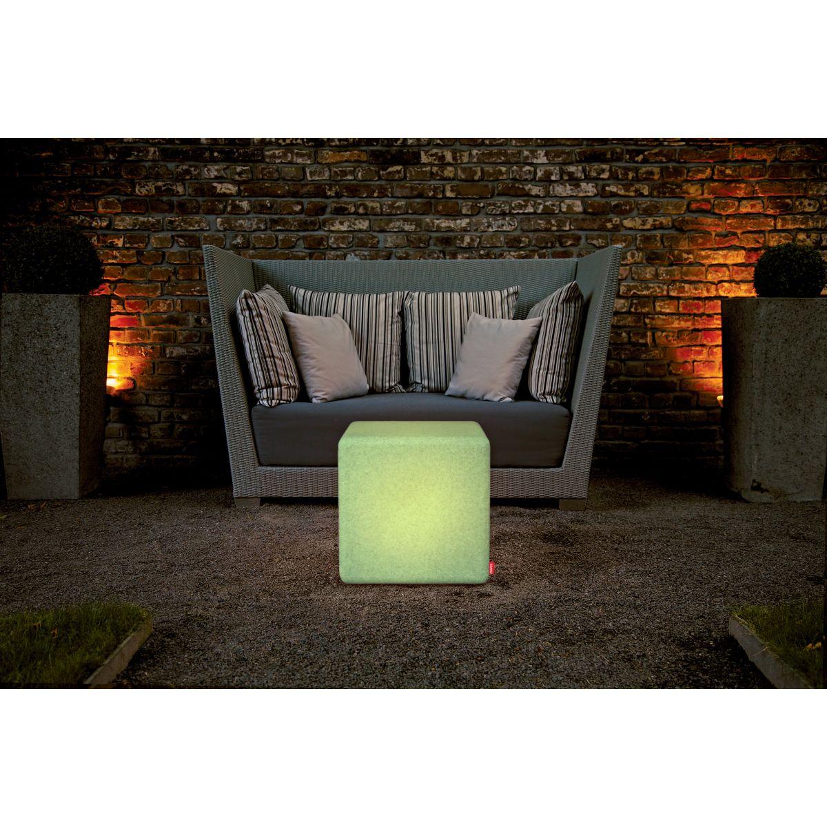 Table basse cube granite led rgb exterieur moree deco - Table basse exterieur design ...